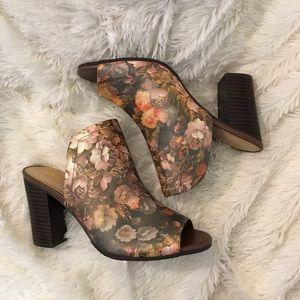 🆕{Sbicca} Floral Peep Toe Mules NWOB